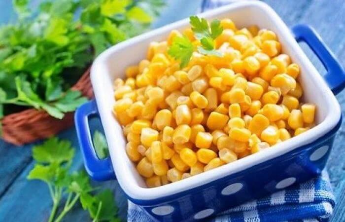 Чем полезна консервированная кукуруза, состав и калорийность злака